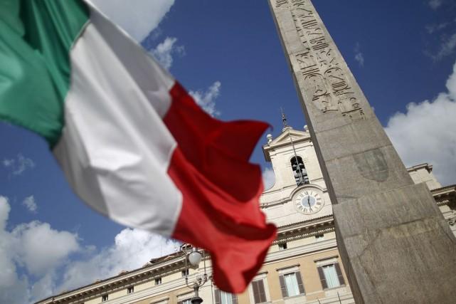 L'Italie, qui lutte contre une croissance anémique et... (Photo d'archives Reuters)