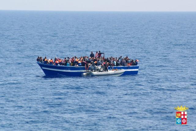 Plus de 1600 migrants et réfugiés ont été secourus ce weekend et depuis le... (Photo AFP)