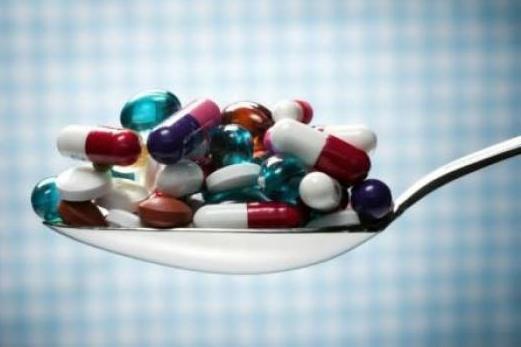 La prise d'antidépresseurs pendant la grossesse accroîtrait de 87% le risque... (PHOTO D'ARCHIVES)