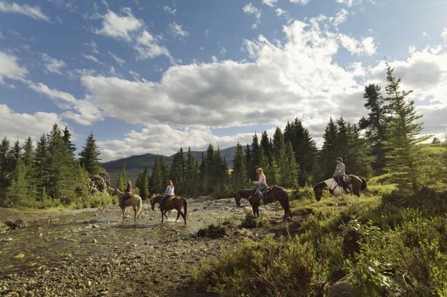 Une balade à cheval est un excellent moyen... (PHOTO FOURNIES PAR TRAVEL ALBERTA)