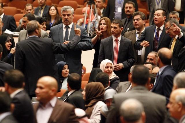 Le besoin d'un nouveau gouvernement se fait de... (Photo THAIER AL-SUDANI, AFP)
