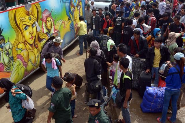 En juin, le nombre d'immigrés ayant repassé la... (Photo TANG CHHIN SOTHY, AFP)