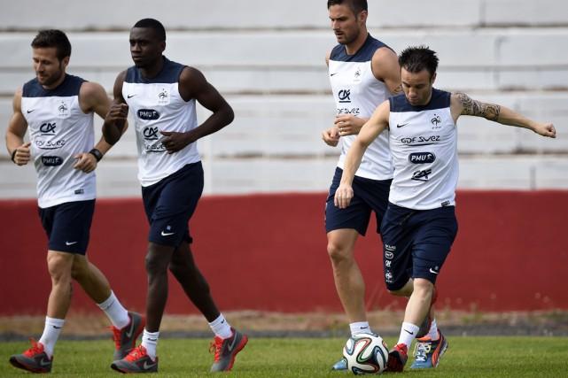 Yohan Cabaye, Blaise Matuidi, Olivier Giroud et Mathieu... (Photo Franck Fife, AFP)