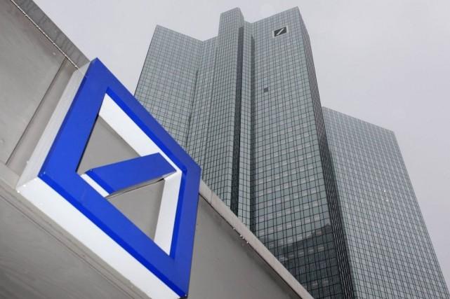 Deutsche Bank, qui essaie d'apaiser des craintes sur... (PHOTO RALPH ORLOWSKI, ARCHIVES REUTERS)