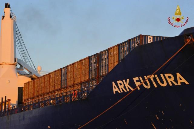 Au total, 78 conteneurs recelant les armes chimiques... (Photo AFP)