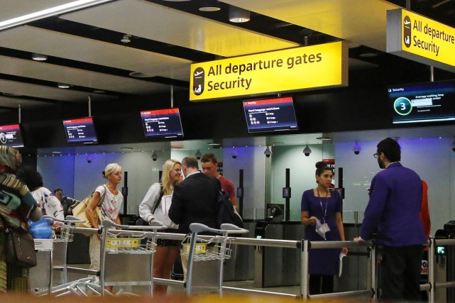 À Heathrow, premier aéroport international en nombre de... (PHOTO LUKE MACGREGOR, REUTERS)