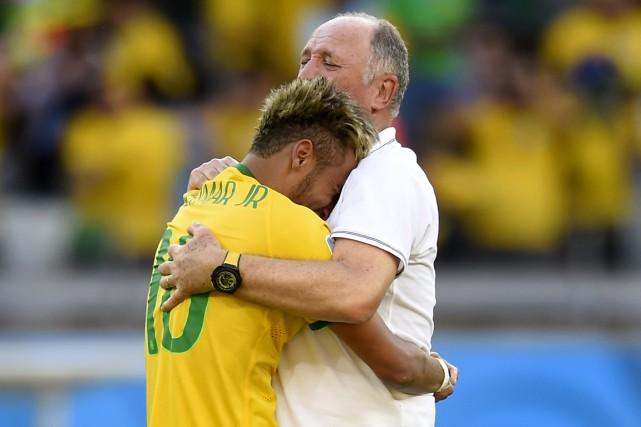 L'entraîneur Luiz Felipe Scolari a donné une longue... (Photo Fabrice Coffrini, AFP)