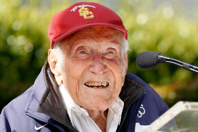 Louis Zamperini... (Photo Nick Ut, archives AP)