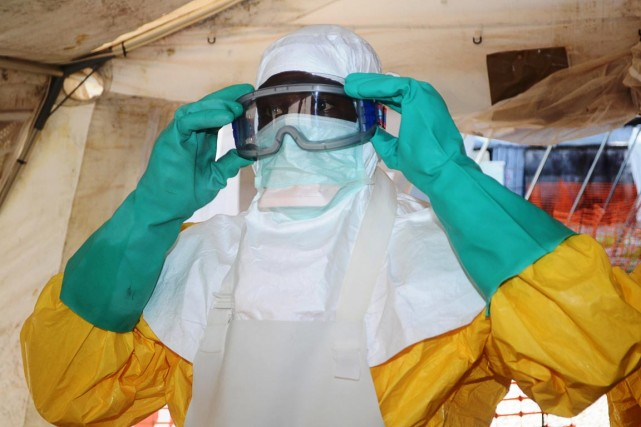 L'Ebola et d'autres fièvres hémorragiques ont tué depuis... (PHOTO CELLOU BINANI, ARCHIVES AFP)