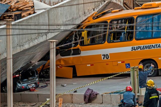L'accident s'est produit sur l'une des artères principales... (PHOTO PEDRO DUARTE, AGENCE FRANCE-PRESSE)