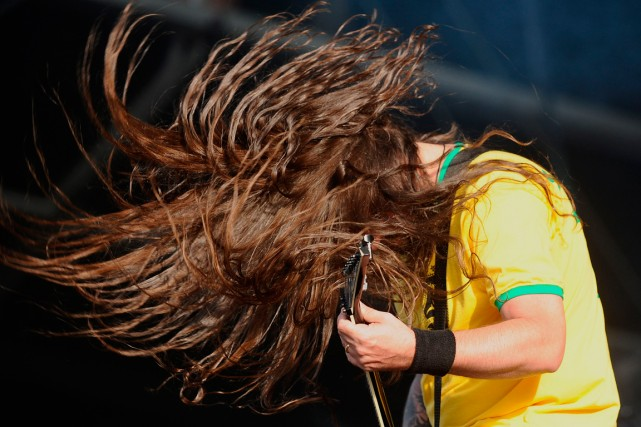 Le guitairste du groupe Sepultura, Andreas Kisser, en... (photo JEAN-SEBASTIEN EVRARD, AGENCE FRANCE-PRESSE)