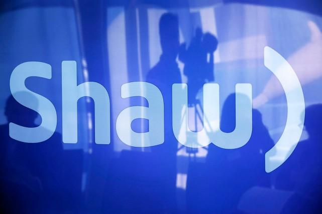 Le bénéfice a réduit de moitié chezShaw Communications... (PHOTO TODD KOROL, archives REUTERS)