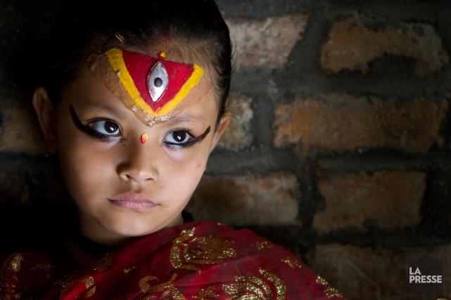 Cette fillette, qui ressemble à une minuscule princesse,... (PHOTO SIRA CHAYER, LA PRESSE)