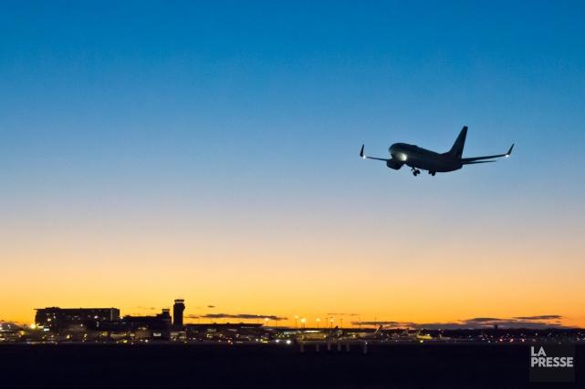 Depuis quelques semaines, les voyageurs qui doivent prendre un vol au départ de... (PHOTO HUGO-SÉBASTIEN AUBERT, LA PRESSE)