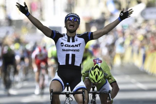 Marcel Kittel a franchi le fil d'arrivée de... (PHOTO LIONEL BONAVENTURE, AFP)