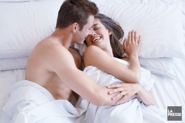 On leur a demandé si le sexe était essentiel au bonheur de leur couple, si la... (PHOTO ARCHIVES LA PRESSE)