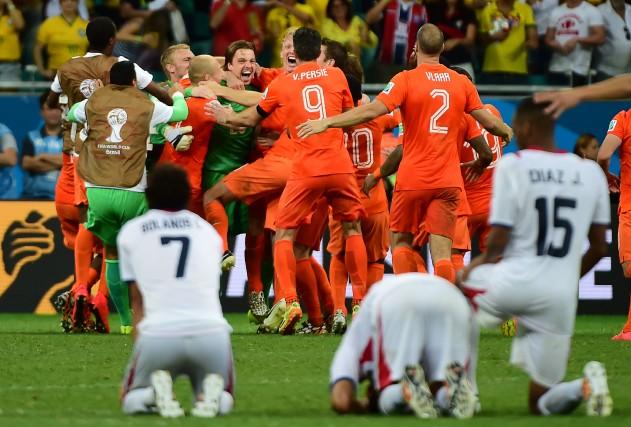 Après avoir été inséré dans le match quelques instants plus tôt, Tim Krul a... (PHOTO RONALDO SCHEMIDT, AFP)