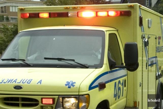 Les ambulanciers d'Urgences-santé cesseront de faire des heures supplémentaires... (Photothèque Le Soleil)
