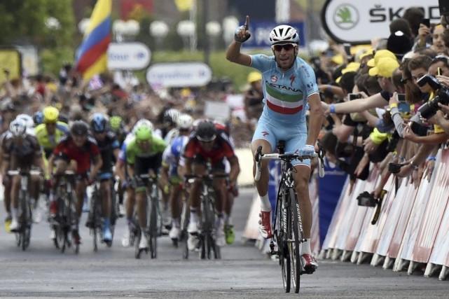 Vincenzo Nibali a attaqué dans les deux derniers... (PHOTO ERIC FEFERBERG, AFP)