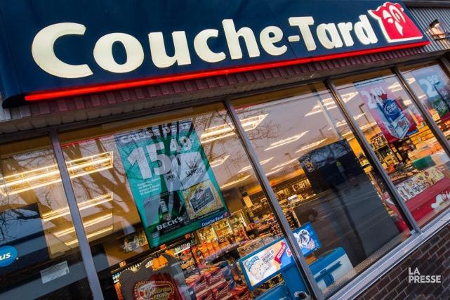Alimentation Couche-Tard(T.ATD.B)a annoncé mercredi la vente... (PHOTO EDOUARD PLANTE-FRÉCHETTE, ARCHIVES LA PRESSE)
