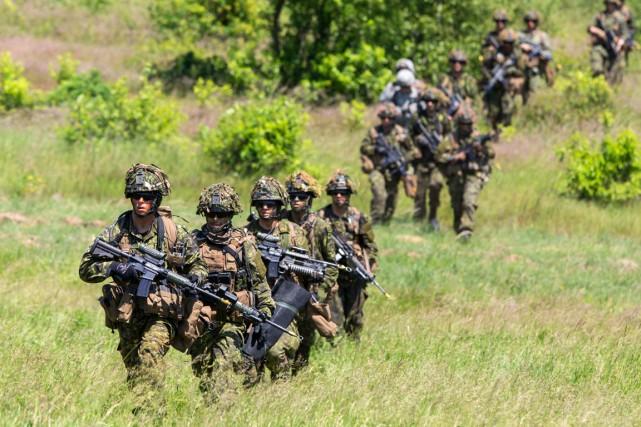 Les soldats canadiens déployés en Ukraine auront une... (PHOTO ARCHIVES REUTERS)