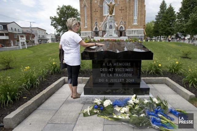 Un chapitre s'est clos dimanche à Lac-Mégantic avec la commémoration du triste... (PHOTO ROBERT SKINNER, LA PRESSE)