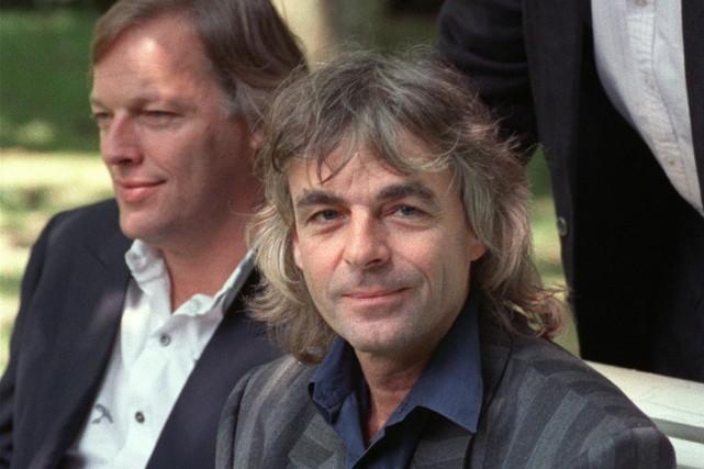 Le guitariste David Gilmour en compagnie du défunt... (Photo: archives AFP)