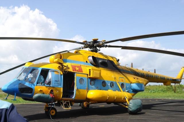 L'hélicoptère, un Mi-171 de fabrication russe, s'est écrasé... (PHOTO HOANG DINH NAM, ARCHIVES AFP)