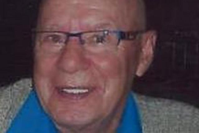Yvon Guévin, 75 ans, de Pierreville, est porté...