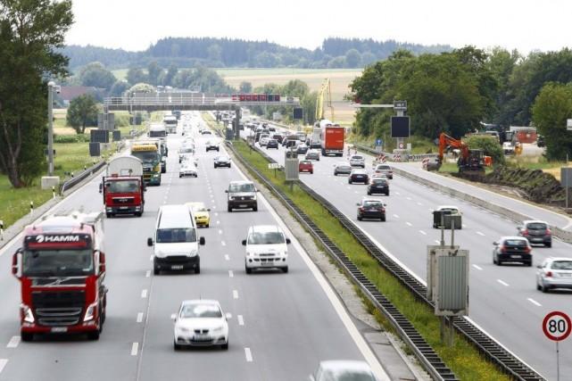 Les conducteurs étrangers pourront obtenir des autocollants valides... (PHOTO MICHAELA REHLE, REUTERS)