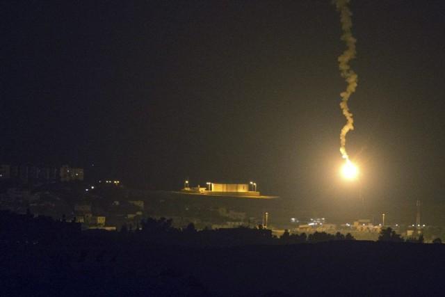 Lundi, les multiples attaques ont fait douze blessés,... (PHOTO JACK GUEZ, AFP)