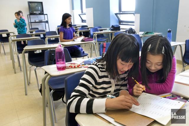 Plusieurs immigrants chinois inscrivent leurs enfants dans des... (PHOTO ROBERT SKINNER, LA PRESSE)