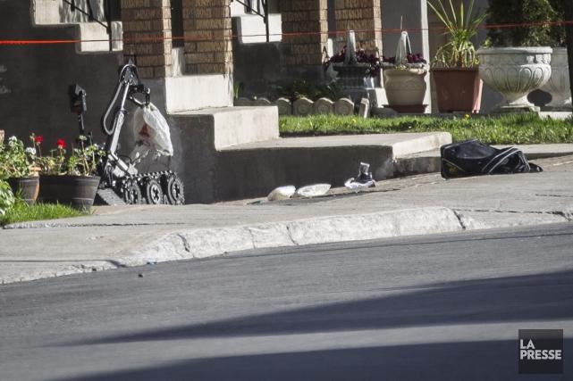 Les bombes étaient des tuyaux vissés l'un à... (PHOTO OLIVIER PONTBRIAND, ARCHIVES LA PRESSE)