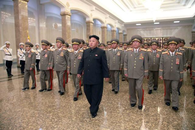 Kim Jong-un visite le palaisdu SoleilKumsusan, à Pyongyang,... (PHOTO REUTERS/KCNA)
