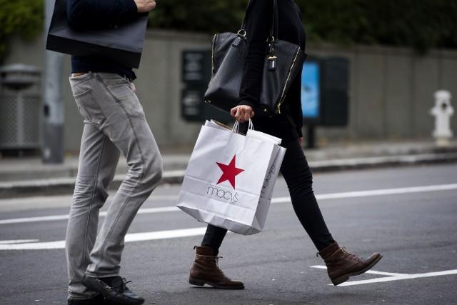 Le crédit à la consommation aux États-Unis a augmenté plus vite que prévu en... (Photo archives Bloomberg)
