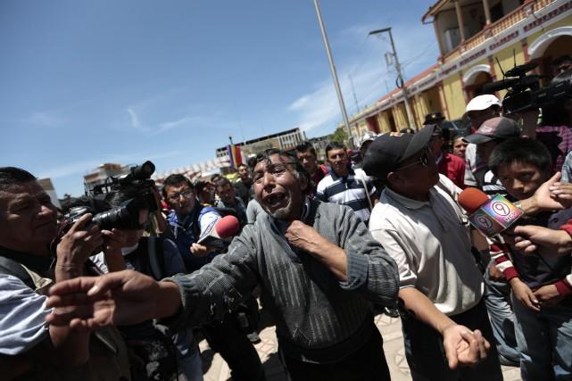 Un Guatémaltèque réagit lors de la visite duprésident... (Photo Jorge Dan Lopez, Reuters)