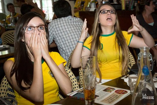 Les partisans réunis au Rodizio Brasil, dans le... (Photo Ninon Pednault, La Presse)