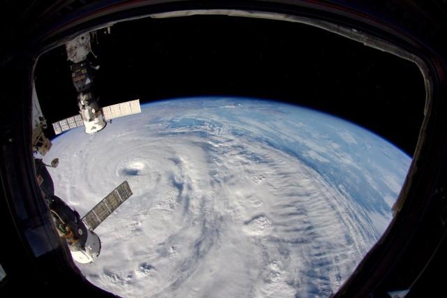 Neoguri, vu depuis la Station spatiale internationale (ISS),... (PHOTO ARCHIVES AFP/NASA)