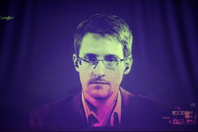 Edward Snowden avait transmis à la presse des... (PHOTO FREDERICK FLORIN, ARCHIVES AFP)