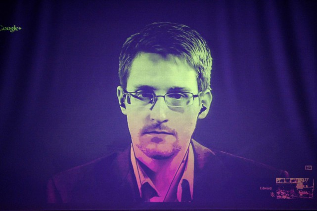 Edward Snowden a reçu le prix Bjornson pour... (PHOTO FREDERICK FLORIN, ARCHIVES AFP)