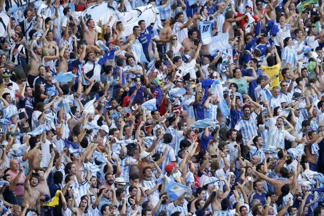 Ils sont environ 100 000 Argentins à avoir... (PHOTO LEONHARD FOEGER, ARCHIVES REUTERS)
