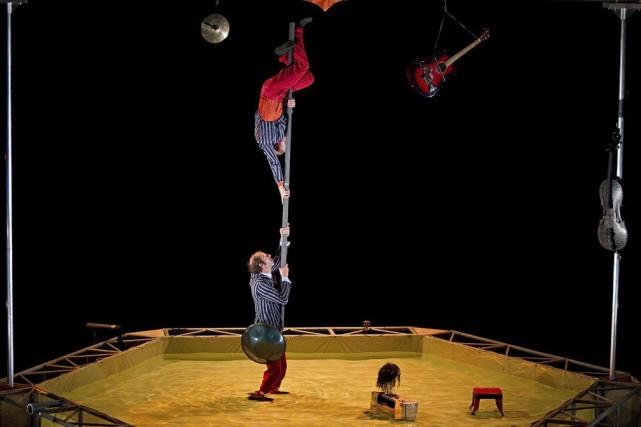 Le spectacle L'île O se déroule dans un... (Photo: Alain Décarie, collaboration spéciale)