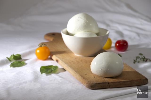 Les Italiens ne sont plus les seuls à produire de la mozzarelle artisanale... (Photo Bernard Brault, La Presse)