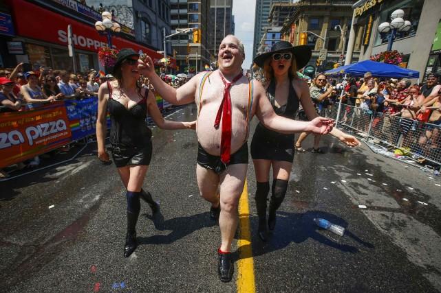 Un homme imitant Rob Ford aurécent festival international... (Photo MARK BLINCH, Reuters)