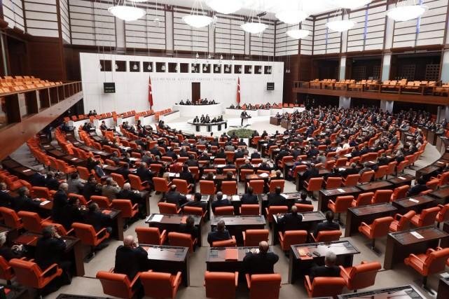 Le Parlement turc a voté jeudi un projet... (PHOTO UMIT BEKTAS, ARCHIVES REUTERS)