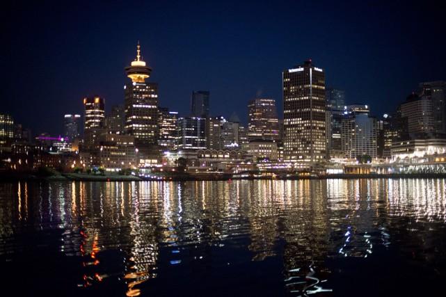 Une vue sur le centre-ville de Vancouver... (Photo Jonathan Hayward, archives La Presse Canadienne)