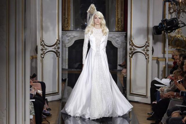 La première collection couture d'Azzaro a été présentée... (Photo Francois Mori, AP)