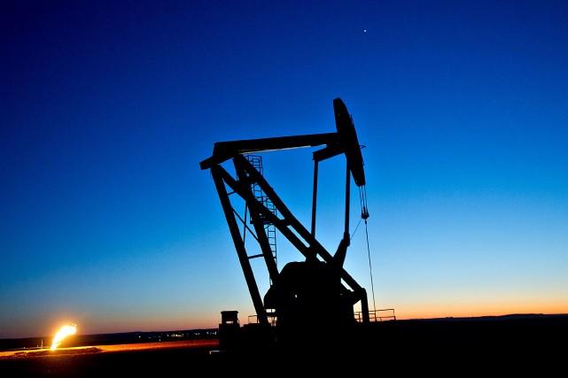 Les prix du pétrole coté à New York ont rebondi jeudi après neuf séances de... (Photo archives Bloomberg)