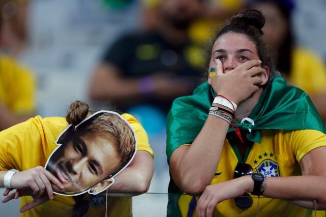 Depuis la cuisante défaite de la Seleçao mardi,... (Photo Marcos Brindicci, Reuters)