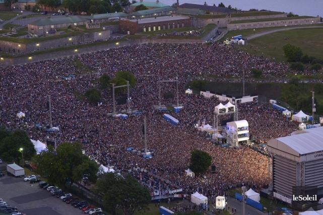 Vendredi dernier, des dizaines de milliers de fans... (Photo: Yan Doublet, Le Soleil)
